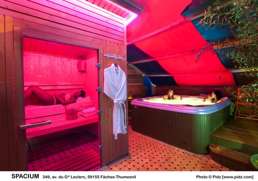 Sauna chauffé à 80 degrès extérieur Espace Jardin Majorelle Spacium ...